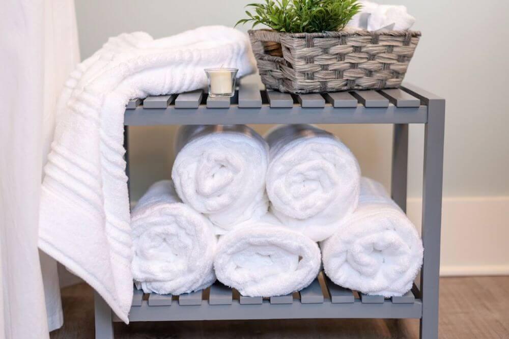 ręcznik w łazience - ozdoba