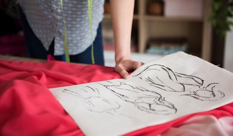 jak zaprojektowac koszulke z nadrukiem